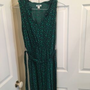 Green & Navy mid length Old Navy dress with hearts